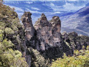 Three_Sisters_Blue_Mountains_turnagain