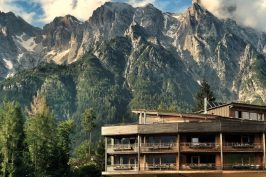 Holzhotel Forsthofalm, Leogang